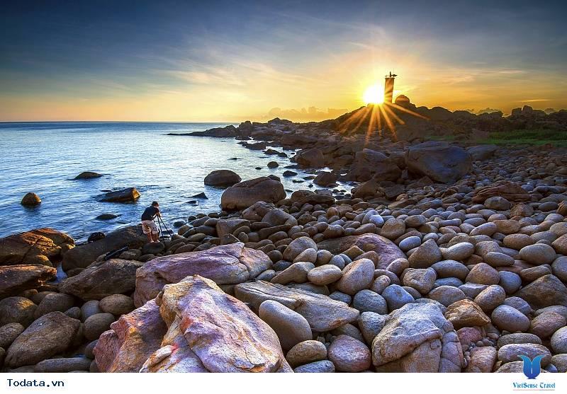 Nét đẹp hoang sơ Gành Đèn Phú Yên - Ảnh 1