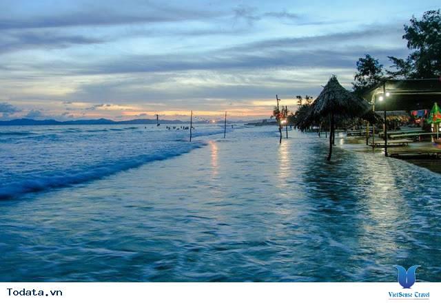 Những bãi biển đẹp và hoang sơ ở cô tô - Ảnh 1