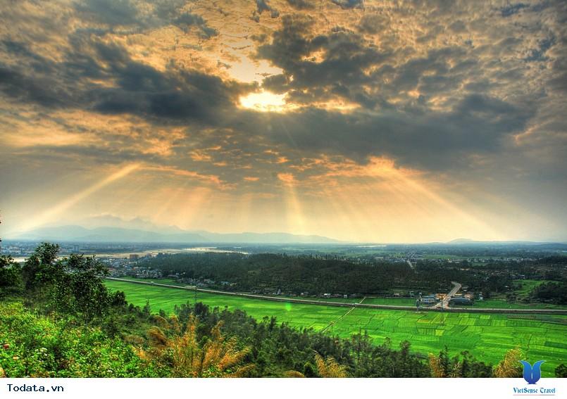 Núi Thiên Ấn Quảng Ngãi - Ảnh 1
