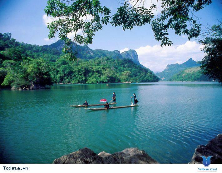 Hồ Ba Bể - Chốn Tiên Cảnh Ngoài Đời Thực