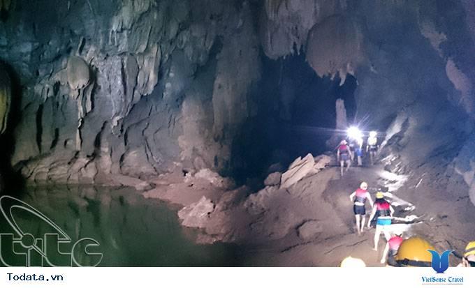 Chinh phục hang Tối, Quảng Bình - Ảnh 2
