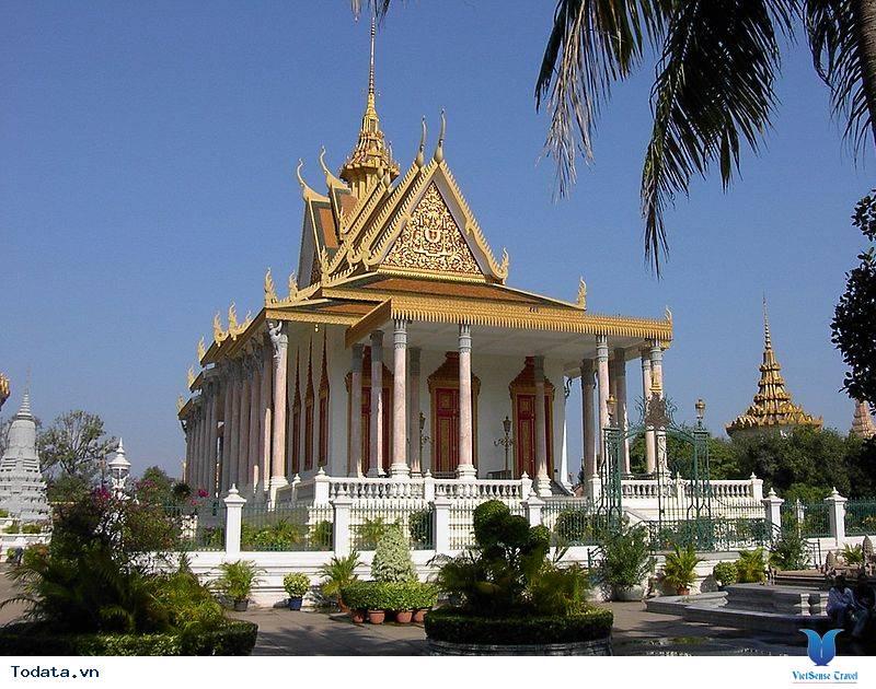Có gì hấp dẫn tại cung điện Hoàng gia Campuchia - Ảnh 4