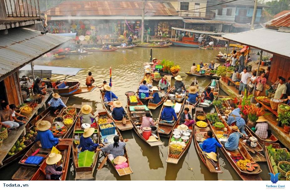 Cùng trải nghiệm chợ nổi Damnoen Saduak tại Thái Lan - Ảnh 1