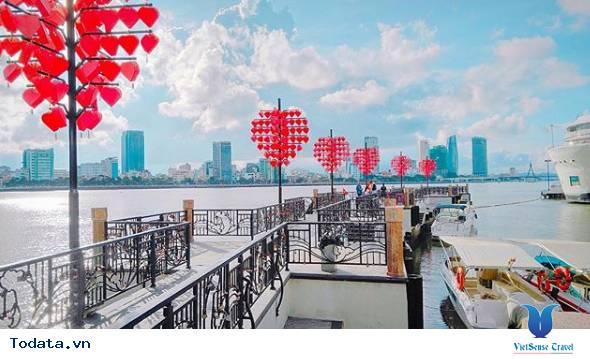 Dạo Bước Nơi Cầu Khóa Tình Yêu Ở Đà Nẵng - Ảnh 1
