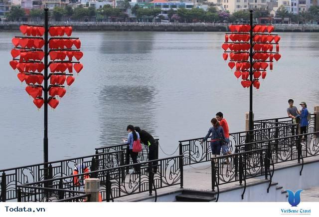 Dạo Bước Nơi Cầu Khóa Tình Yêu Ở Đà Nẵng - Ảnh 3