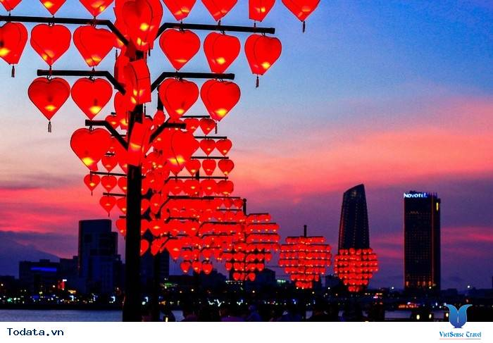 Dạo Bước Nơi Cầu Khóa Tình Yêu Ở Đà Nẵng - Ảnh 8