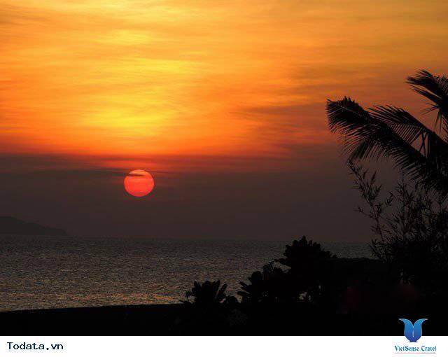 Đến Nha Trang Săn Đón Ánh Bình Minh Tuyệt Đẹp Trên Biển - Ảnh 1