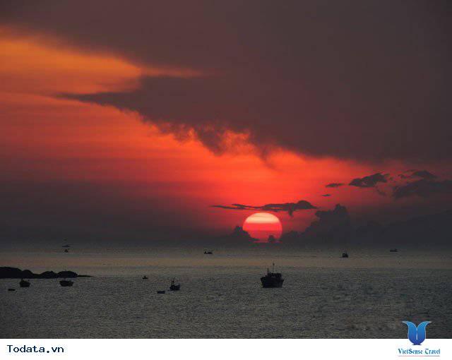 Đến Nha Trang Săn Đón Ánh Bình Minh Tuyệt Đẹp Trên Biển - Ảnh 12