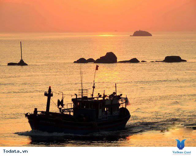 Đến Nha Trang Săn Đón Ánh Bình Minh Tuyệt Đẹp Trên Biển - Ảnh 4