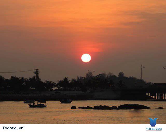 Đến Nha Trang Săn Đón Ánh Bình Minh Tuyệt Đẹp Trên Biển - Ảnh 11