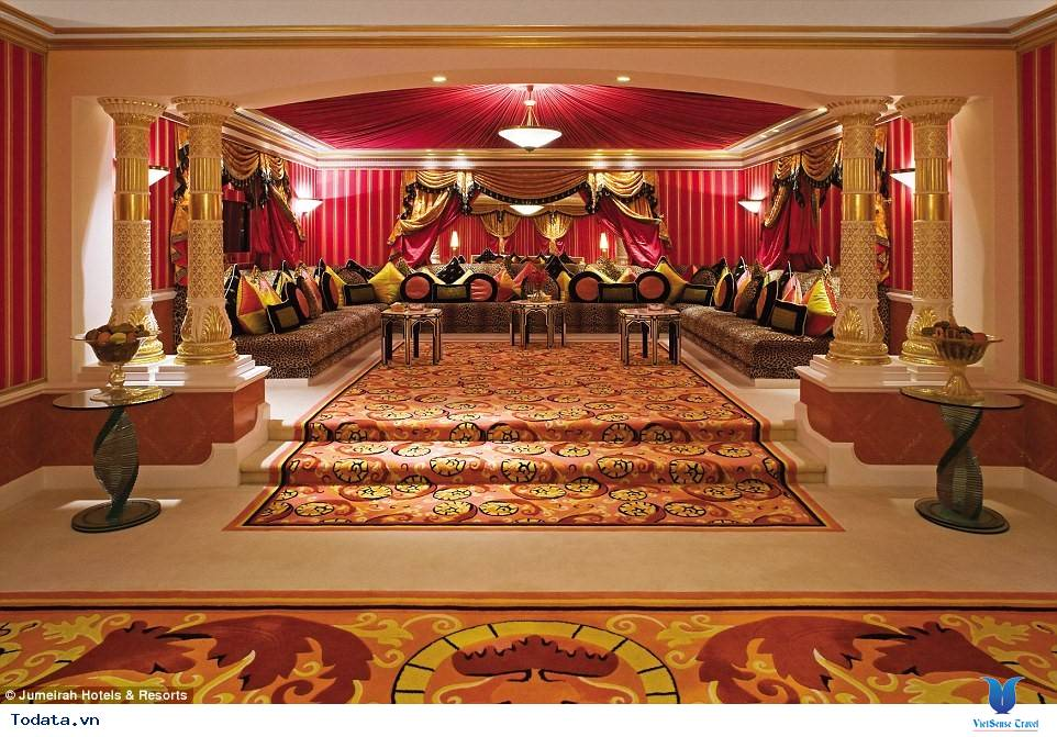 Bên trong khách sạn 7* Dubai - Khách sạn cánh buồm Burj Al Arab - Ảnh 2