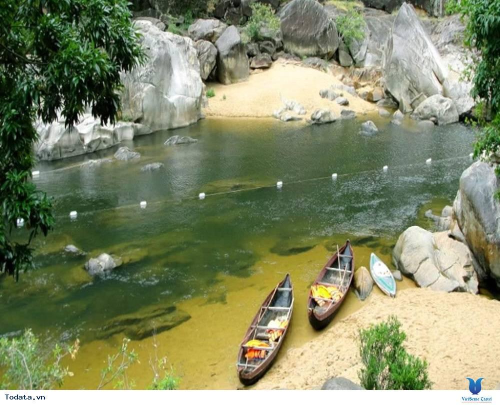 Khám phá dòng sông Hầm Hô đẹp kỳ ảo - Ảnh 4