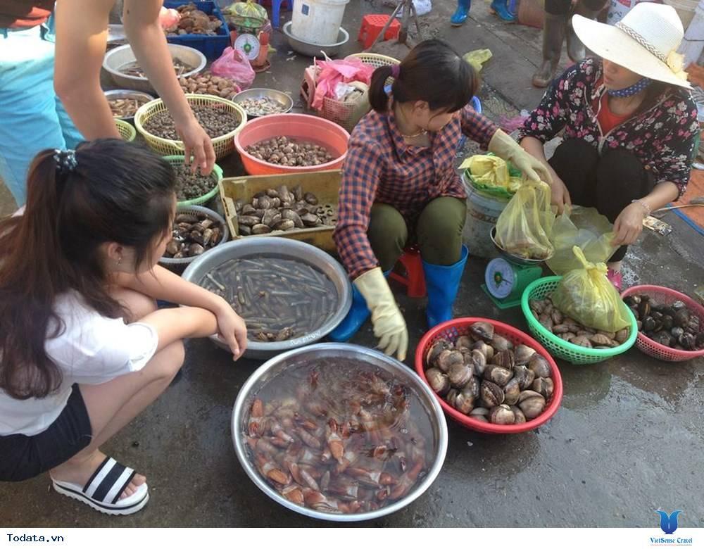 Nhất  Định Phải Ghé Chợ Hải  Sản Khi Đến Cô Tô - Ảnh 5