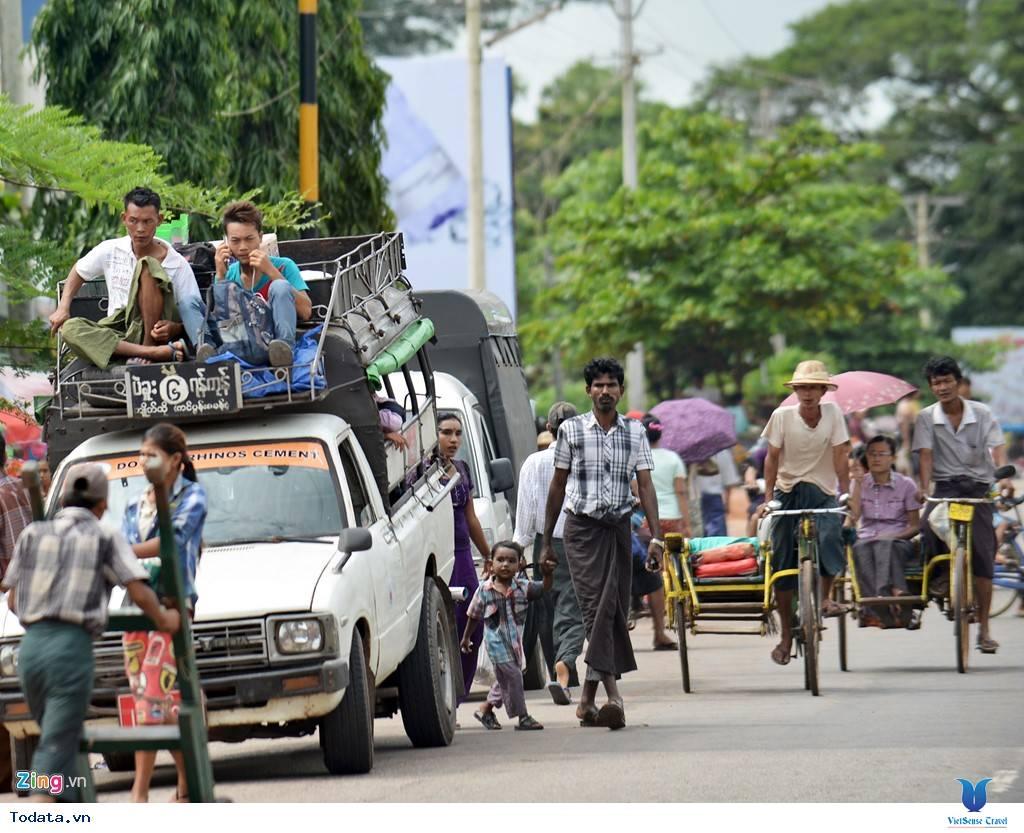 Những Phương Tiện Vận Chuyển Độc Đáo Ở Myanmar - Ảnh 7