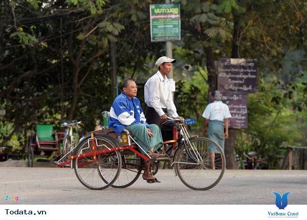 Những Phương Tiện Vận Chuyển Độc Đáo Ở Myanmar - Ảnh 8