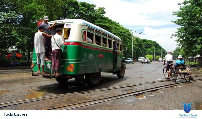 Những Phương Tiện Vận Chuyển Độc Đáo Ở Myanmar - Ảnh 5