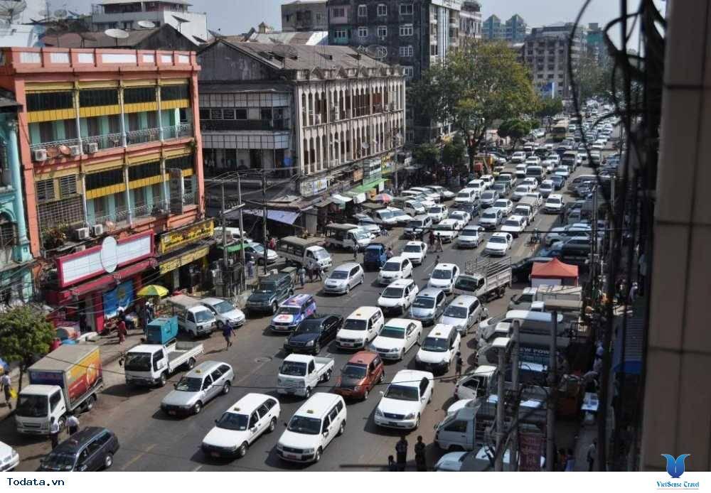Những Phương Tiện Vận Chuyển Độc Đáo Ở Myanmar - Ảnh 1