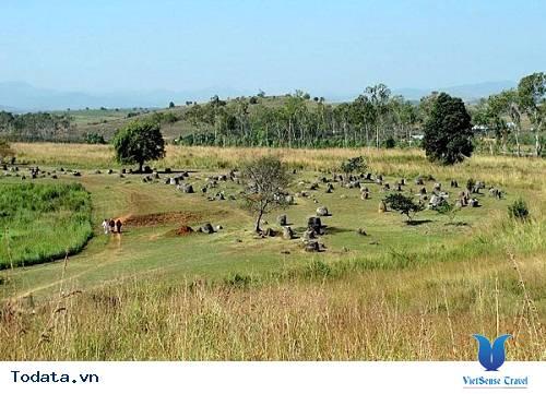 Thám hiểm với nghĩa địa chum ma quái ở Lào - Ảnh 3