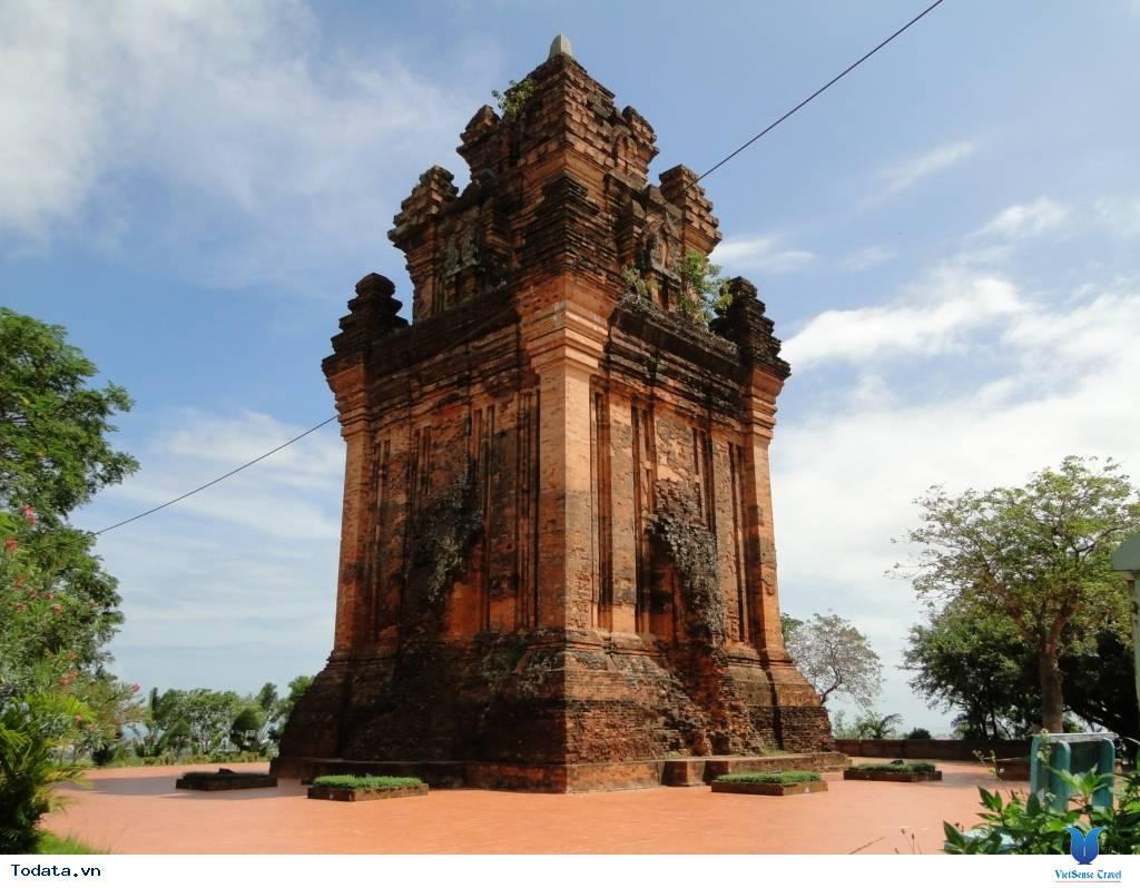 Tháp Nhạn Phú Yên - Công Trình Kiến Trúc Cổ Đặc Sắc - Ảnh 1