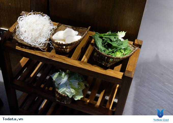 Thích thú với lẩu nướng trên bếp đá ở Lệ Giang, Trung Quốc - Ảnh 4