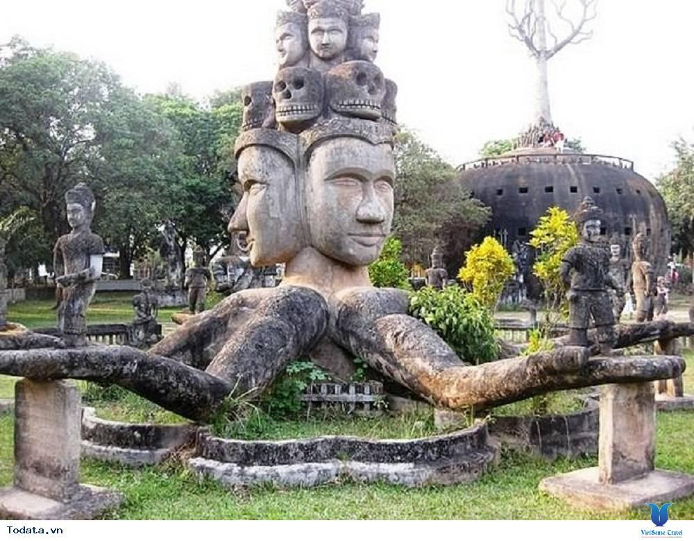 Tĩnh lặng với vườn tượng Phật tại Lào - Ảnh 2