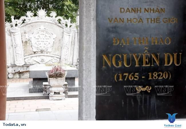 Về Tiên Điền, thăm khu di tích Đại thi hào Nguyễn Du - Ảnh 1