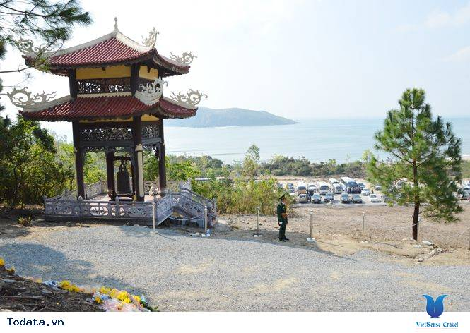 Viếng Mộ Đại Tướng Nơi Vũng Chùa -  Đảo Yến - Ảnh 1
