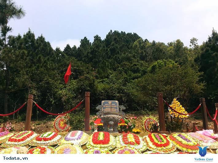 Viếng Mộ Đại Tướng Nơi Vũng Chùa -  Đảo Yến - Ảnh 3