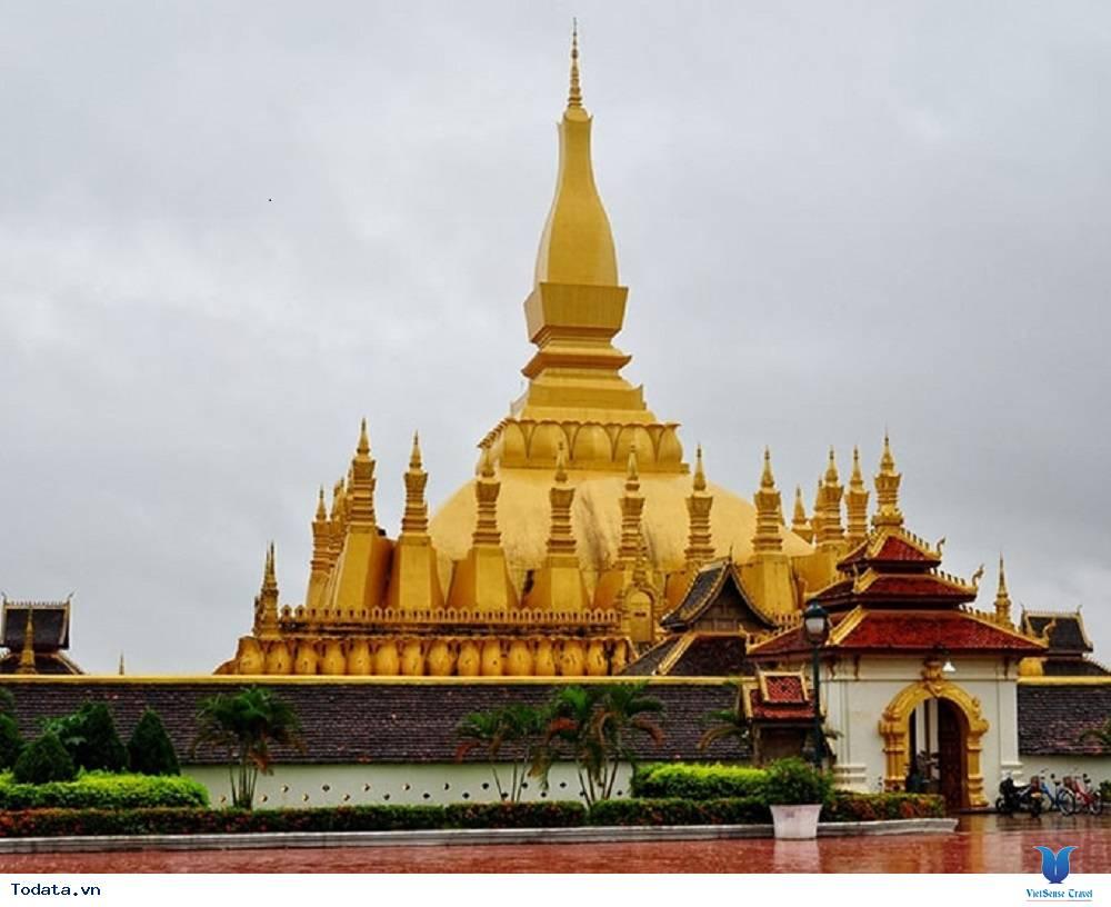 Viếng thăm ngôi chùa đẹp và nổi tiếng nhất tại Lào - Ảnh 2