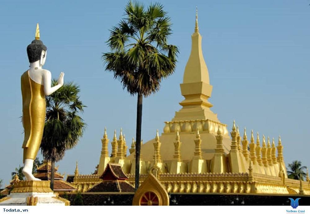 Viếng thăm ngôi chùa đẹp và nổi tiếng nhất tại Lào - Ảnh 1